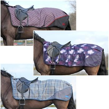 QHP Ausreitdecke Turnout Luxus Fleece - Nierendecke