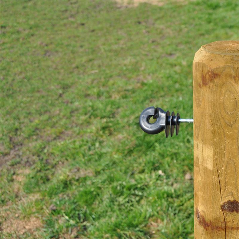 44696-voss-farming-isolatorenschrauber-praxisbild.jpg