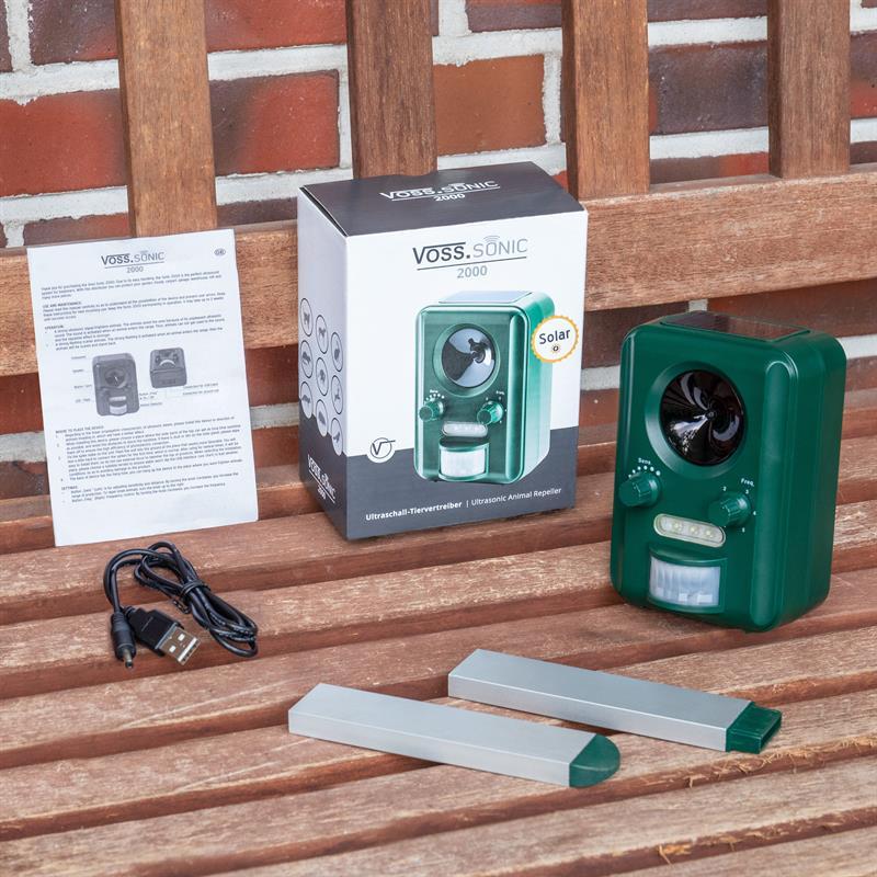 45022-11-voss-sonic-2000-set-und-zubehoer-tierabwehr-erdspiess-und-ladekabel-mit-usb-anschluss.jpg