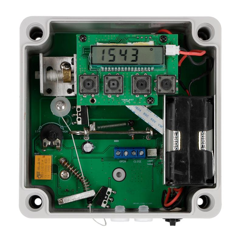 561850-automatische-huehnerklappe-tueroeffner-huehner-gefluegelstall.jpg