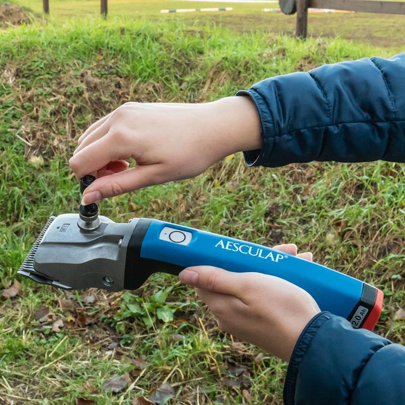 85143-12-aesculap-pferdeschermaschine-bonum-mit-justierhilfe-zum-einfachen-einstellen.jpg
