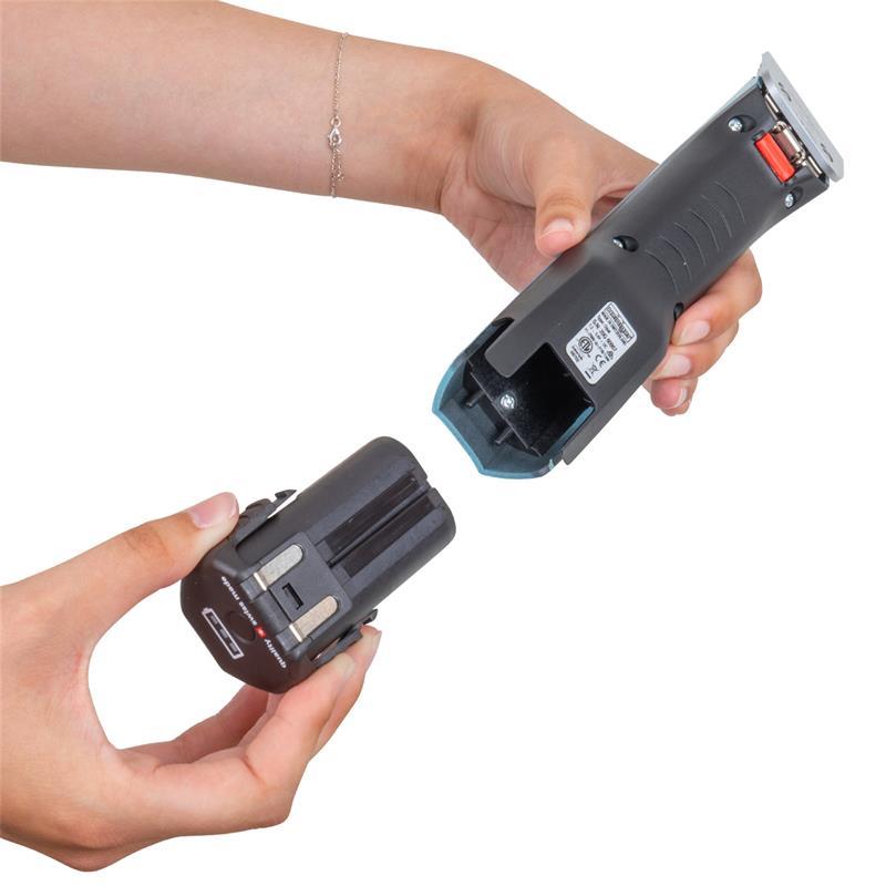85188-90-heiniger-grooming-schermaschine-opal-akku-einsetzen.jpg