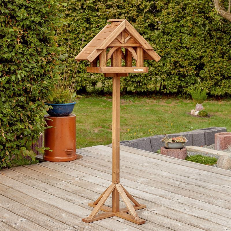 930310-2-voss-garden-vogelfutterhaus-finkenheim-mit-holzstaender-fuer-einen-festen-stand.jpg