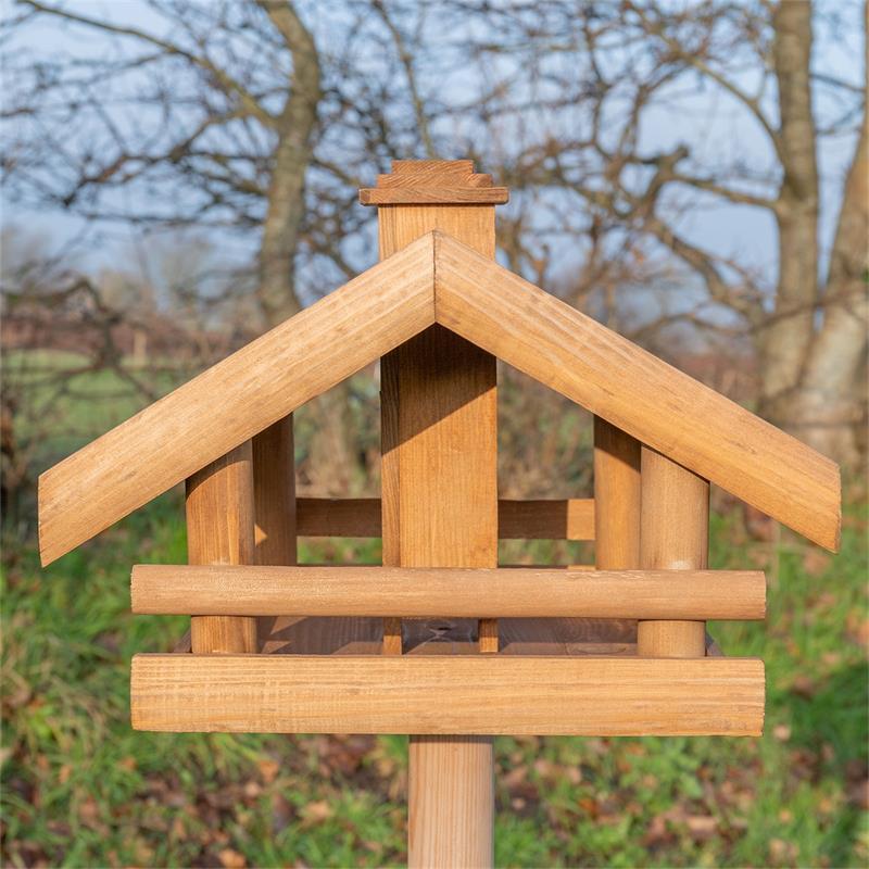 930326-voss-garden-grota-vogelhaus-futterstation.jpg